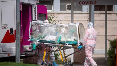 В Италии зафиксирован самый низкий за долгое время показатель смертности от COVID-19: данные на 13 апреля
