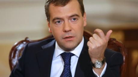 Медведев признался, почему Россия не прекратит поставки Азербайджану и Армении смертоносного вооружения