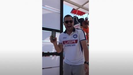"""Появились кадры """"нападения"""" отдыхающих на """"слугу"""" Одарченко в Железном Порту"""