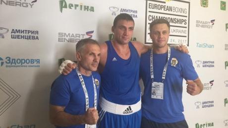 Украинский финал Чемпионата Европы по боксу: украинский боксер Выхрист победил россиянина и стал четвертым украинским финалистом турнира