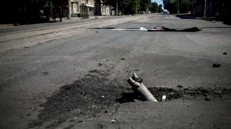 В Донбассе гремит на всех направлениях: боевики обстреливают Авдеевку и пригороды Мариуполя