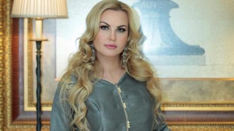певица Камалия, обокрали, вытащили телефон, в торговом центре киева