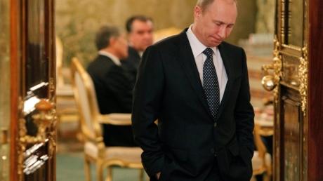 """""""Чекистские доблести далеко не всегда приносят успех в мировой политике. Путин - гебешный опер средней руки и законченный лузер по сравнению с лидерами супердержав"""", – блогер"""