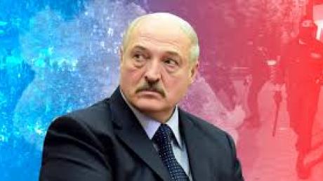 """В Беларуси исключили дальнейшее президентство Лукашенко: """"Его легитимным не признают"""""""