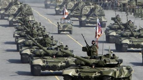 """АТЦ: Россия перебросила в Донбасс новые танки, БТРы, системы """"Град"""" и """"Смерч"""""""