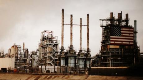 Reuters: нефтяная промышленность в США под угрозой банкротства, производство и скважины закрываются