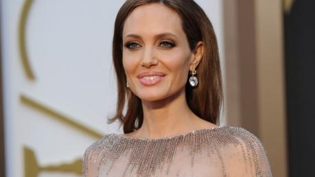 Звезда Голливуда Анджелина Джоли госпитализирована: у актрисы серьезные проблемы со здоровьем – она весит всего 35 килограммов