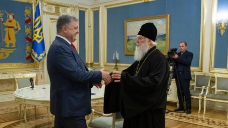 """Патриарх Филарет провел встречу с президентом Украины Петром Порошенко : """"Все поздравляют, но это только начало"""" - кадры"""
