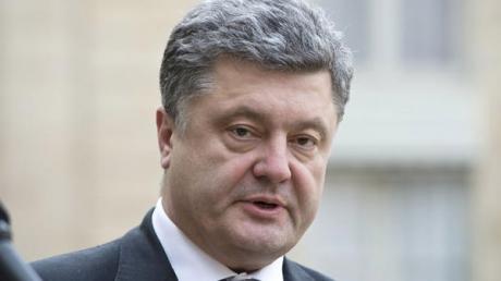 Петр Порошенко: 2475 бойцов ВСУ вышли из Дебальцево