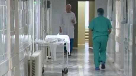 """""""Пушилин, дай медикам зарплату или сам будешь лечить"""", - в """"ДНР"""" катастрофа с врачами, люди едут спасаться в Украину"""