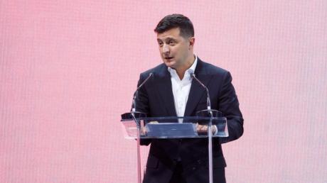 Зеленский записал новое обращение: опросы могут проходить каждую неделю