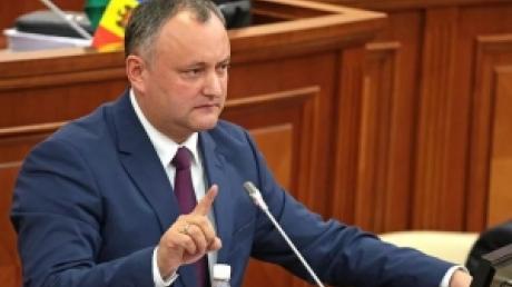 Президент Молдавии Игорь Додон опустился до откровенного хамства в адрес послов Румынии и Америки и посоветовал им не вмешиваться в руководство чужой страной