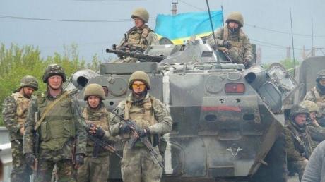"""В праздничный день террористы """"ДНР"""" применили тактику хаотичных обстрелов в районе Донецка"""