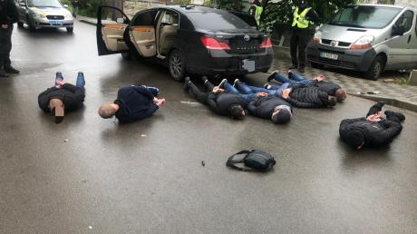 Перестрелка в Броварах: полиция провела массовое задержание и изъяла оружие