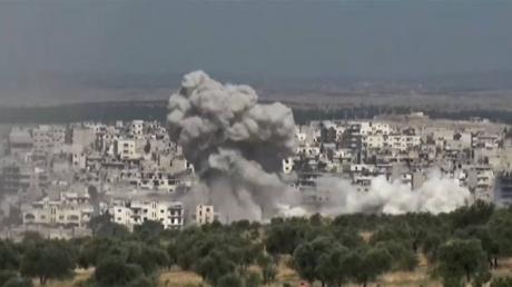"""Турция устроила артиллерийский """"ад"""", нанося удары по позициями в Сирии: видео ударов"""