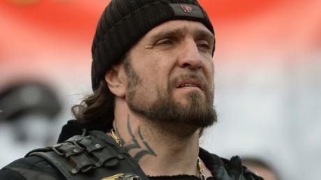 Любимый байкер Путина нахамил журналисту после вопроса о союзе СССР и Гитлера