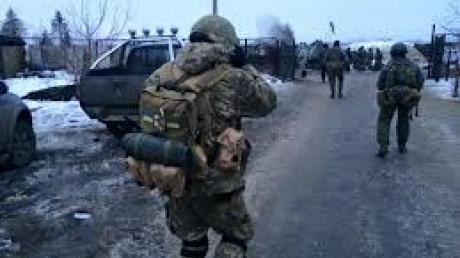 В районе Чернухино и Троицкое идут активные бои с применением «Градов» и танков, - ЛОГА