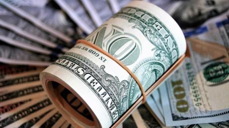 Доллар в Украине подорожает: какой будет цифра на конец октября