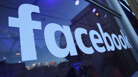 США, Техника, Пользователи, Facebook, Скандал.