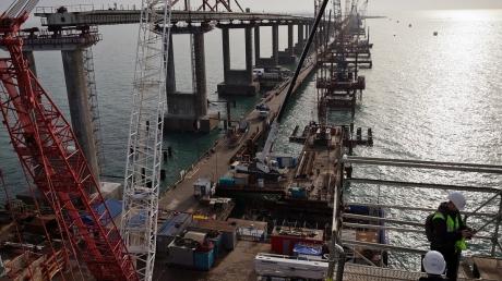 Новая проблема настигла Крымский мост - у оккупантов нет выхода