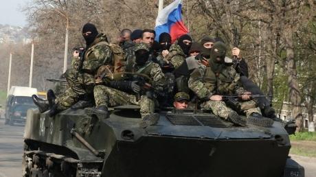 """Если на Донбассе нет россиян, то почему гумконвой регулярно забирает """"груз 200"""" и везет его в РФ? Соцсети пришли в ярость от заявления Добкина по поводу гражданской войны в Украине"""