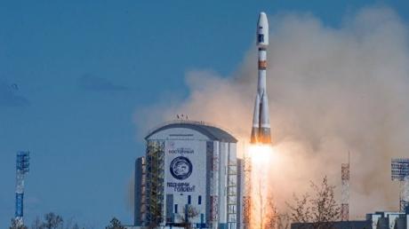 """Очередная неудача """"Роскосмоса"""": Россия может потерять спутник, запущенный с космодрома """"Восточный"""""""