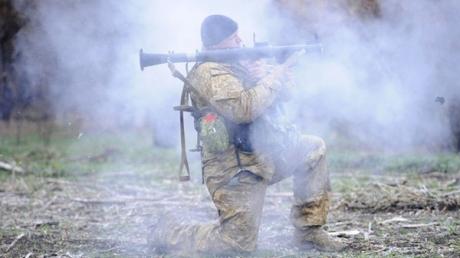 Минобороны: Из Дебальцево вывезены еще 15 тел погибших бойцов