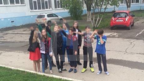 россия, гитлер. школьники, зиговать. путин, ростов