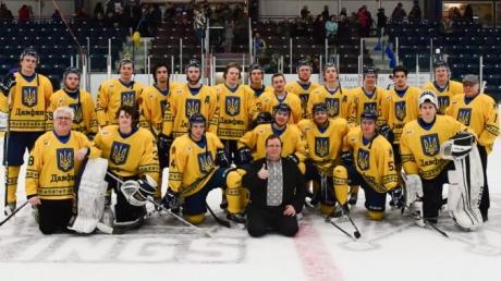 В Канаде прошла Украинская Ночь-2019: канадские хоккеисты вышли на лед с трезубцем на всю грудь - кадры