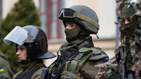 "Битва за янтарь: под Ровно бойцы ""Днепр-1"" создали штаб и ждут приезда силовиков Нацгвардии"