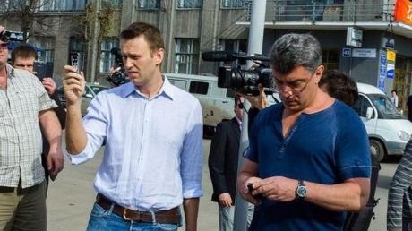 """Навальный уверен, что Немцова """"заказал"""" Путин"""