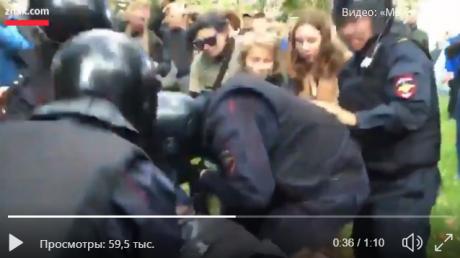 В России продолжается бунт против Путина: в Сети опубликовано видео жестокого столкновения с Росгвардией