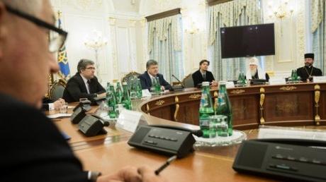 Порошенко призвал православные церкви воссоединиться: Игнорировать волю народа негоже