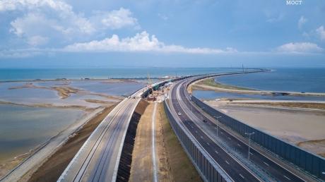новости, Украина, Крым, Россия, Крымский мост, Керченский мост, фотографии, кадры, снимки, рельсы, железнодорожные пути