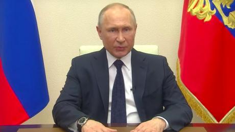"""""""Нас просто послали"""", - россияне резко отреагировали на 10-минутное обращение Путина к народу"""