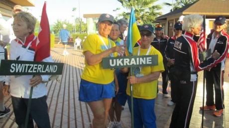 Супер бабушка: 84-летняя украинка планирует ехать в США и участвовать в чемпионате по теннису