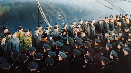 """Вся правда о трагедии """"Курска"""" и какую тайну раскрыли водолазы на затонувшей подлодке"""