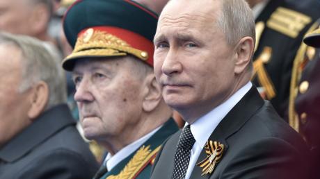 Пушков, москва, владимир путин, парад победы
