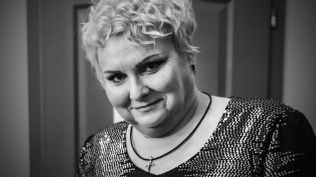 """Марине Поплавской могло бы исполниться 50 лет 9 марта: какой украинцам запомнилась звезда """"Дизель Шоу"""", кадры"""