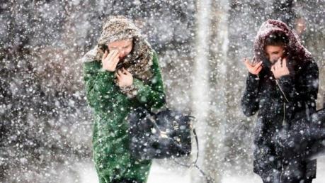 Выпадет рекордное количество снега и дождя: появился прогноз погоды на выходные – чего ждать регионам Украины