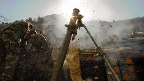 Террористы из минометов 82-мм калибра и 120-мм калибра обстреляли силы АТО на мариупольском и луганском направлениях