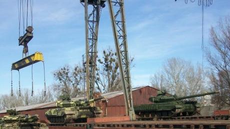 Нацгвардия получила новую партию танков Т-64Б для спецоперации в Донбассе