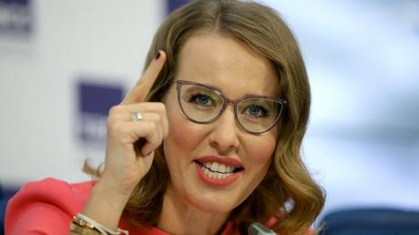 """""""Врет и не краснеет!"""" - Ксения Собчак рассказала, какая она красивая и натуральная"""