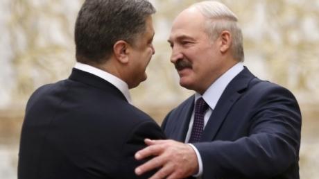 В Кремле начнется истерика: Лукашенко пообещал Порошенко не пускать путинских вояк в Украину
