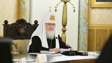 """Cенсационное признание Православной церкви Украины: Москва решила """"стянуть войска к границе"""""""