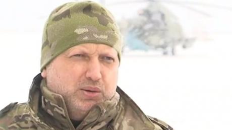 Турчинов приказал усилить оборону Мариуполя