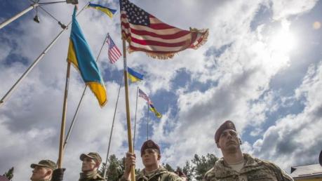 """""""Штаты выделят деньги на военную помощь Украине, даже если Трамп будет против"""", – Конгресс США"""