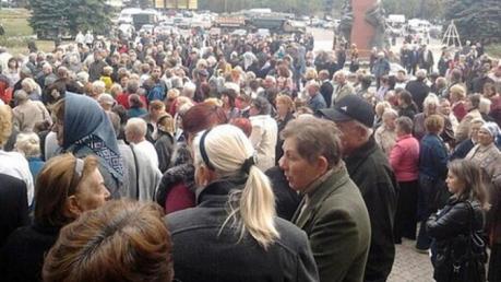 """Голодные бунты в """"ЛНР"""" - шахтеры вышли на протест: """"Россия нас кинула, это фашизм какой-то!"""""""