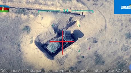 Охота БПЛА Bayraktar TB2 за техникой Армении в Нагорном Карабахе попала на видео