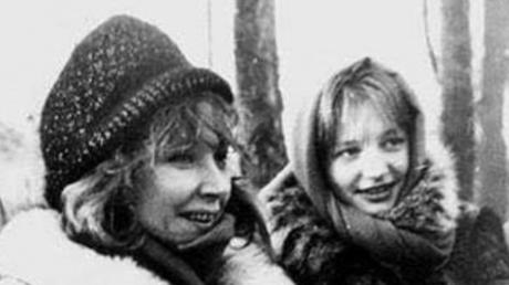 Свои зубы, большие щеки: Орбакайте засветила архивное фото Пугачевой, кадры